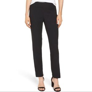Nic+Zoe Wonderstretch Pants in Black